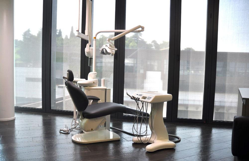Poltrona del primario dentista a Vicenza